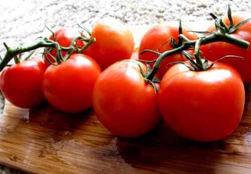 Tomato_Leaves_Stem