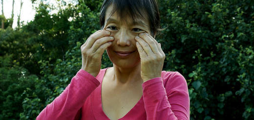 Get Rid of Wrinkles the Natural Way through Massage