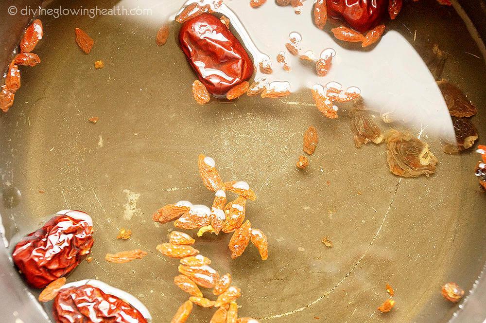 - Goji Berries, Red Dates and Longan Tea