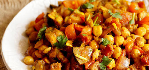 Chickpea Curry with Red Bell Pepper and Eggplant