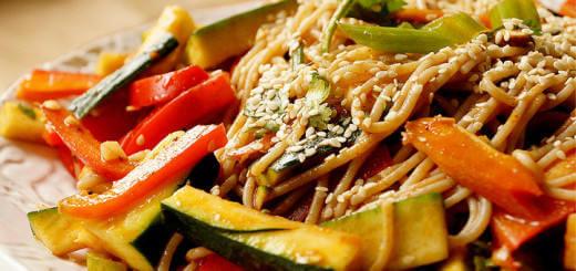 Veggie_Salad_Noodles_Garlic_Ginger_Dressing
